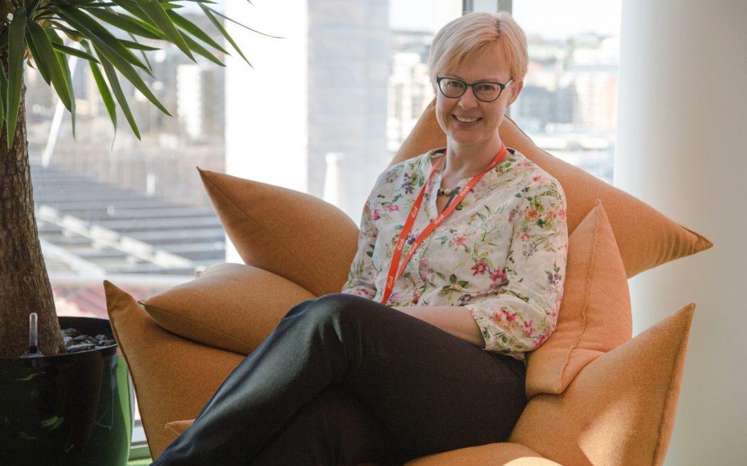 Työterveyshoitaja Katja Järvinen hoitaa asiakkaita Sastamalassa ja Ratinassa
